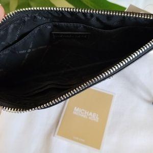 Michael Kors Bags - ⬇️ Michael Kors • Large Zip Clutch